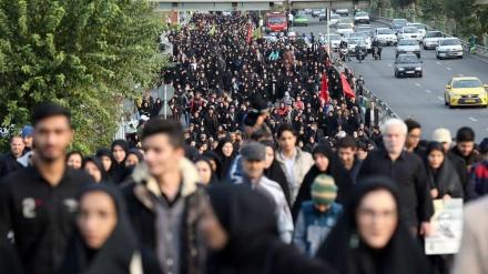 اربعین ملین مارچ میں شریک نہ ہونے والے ایرانیوں کا مارچ