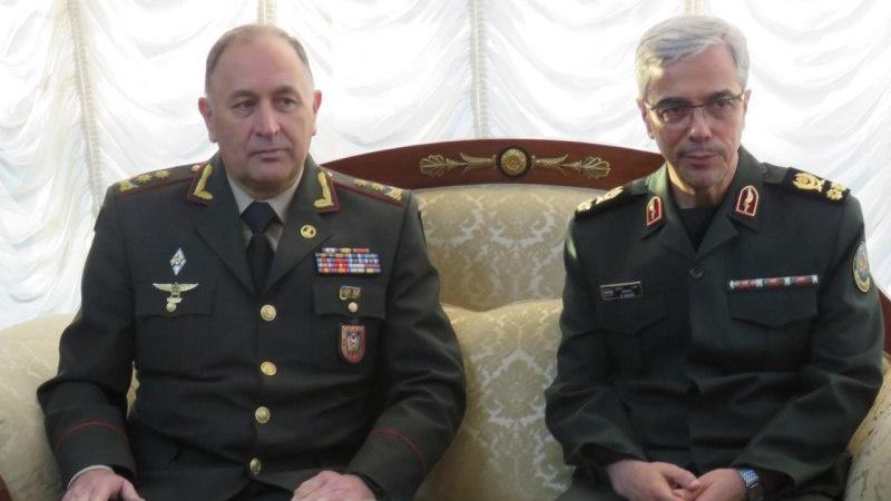 İran və Azərbaycan Respublikası arasında hərbi əməkdaşlıqların genişləndirilməsinə təkid edidi