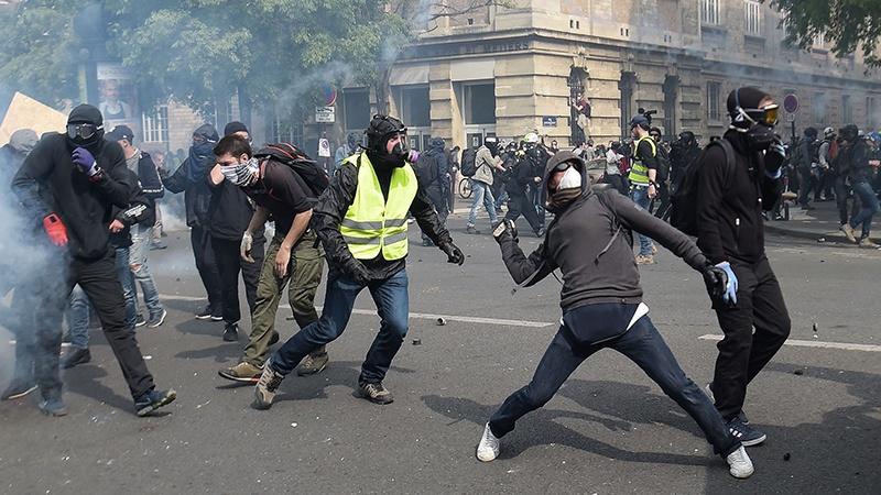 فرانس میں یلوجیکٹ تحریک کے مظاہرے