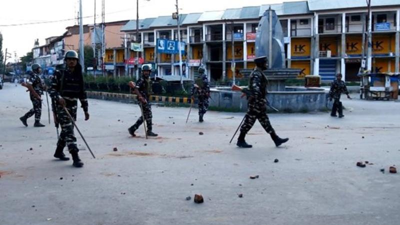 کشمیر: یورپی پارلیمانی وفد کے دورے کے موقع پر5 افراد مارے گئے