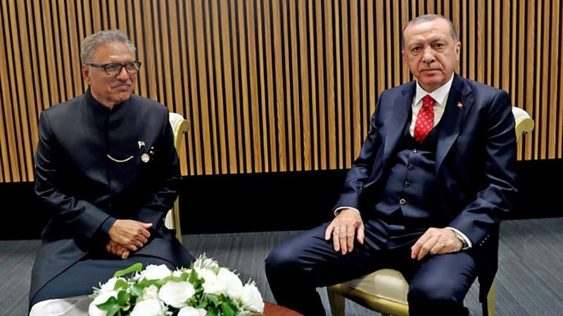 پاکستان و ترکی کے صدور کی دو طرفہ تعلقات کو مضبوط بنانے پر تاکید