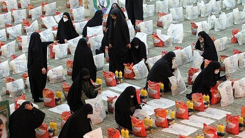 Bütün İranda ordunun xidmət paradı