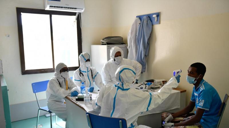 کیا کورونا وائرس کی دو اقسام سے ایک ساتھ متاثر ہونا زیادہ خطرناک ہے؟