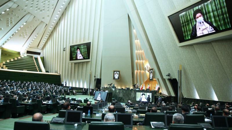 اراکین پارلیمنٹ سے رہبر انقلاب اسلامی کا خطاب