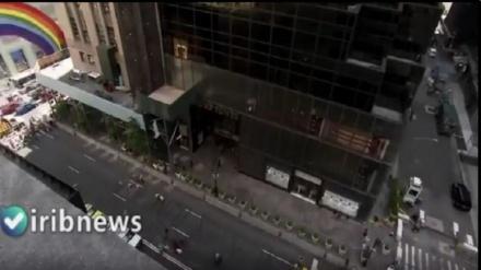 امریکا، نسل پرست ٹرمپ کے ہوٹل کے سامنے عجیب و غریب مظاہرہ+ ویڈیو