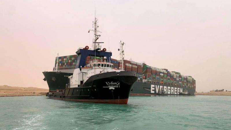 نہر سوئز میں پھنسے بحری جہاز کو نکال لیا گیا