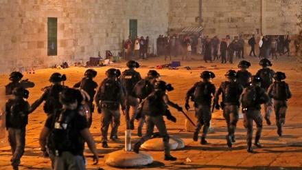 Izraelska policija napala vjernike u džamiji Al-Aksa