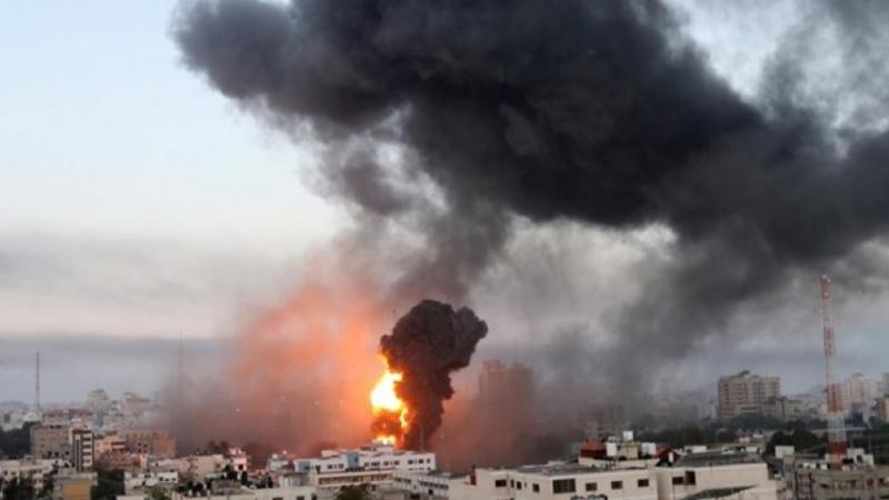 Sionist rejim Qəzzənin müxtəlif bölgələrinə hücumlarını artırdı