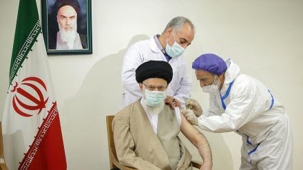 Lider Islamske revolucije primio prvu dozu iranske vakcine protiv koronavirusa