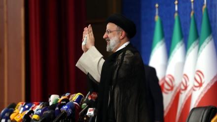ایران کے نو منتخب صدر کی تقریب حلف برداری میں شرکت کے لئے غیر ملکی مہمانوں کی آمد کا سلسلہ جاری