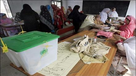 کشمیر: سخت سکیورٹی میں پولنگ جاری