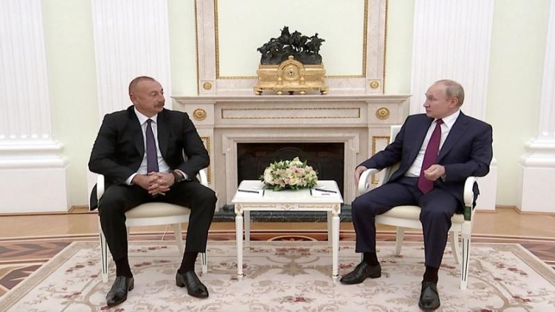 Putin və İlham Əliyev Qarabağı müzakirə ediblər