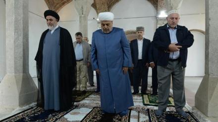 İslam inqilabının aliməqamlı rəhbərinin nümayəndəsi Şuşada olub, Şuşa məscidində namaz qılıb.