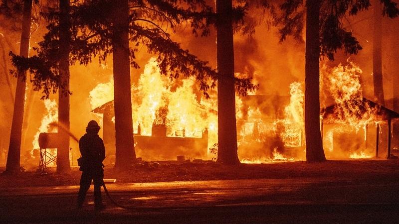 Zjarri/ Si të mbroheni nga tymi dhe grimcat e ajrit