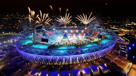 ٹوکیو اولمپک کی رنگ برنگی اختتامی تقریب