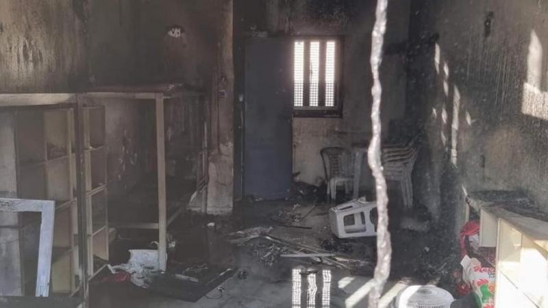 صیہونی جیلروں کے ظلم و تشدد سے تنگ فلسطینی قیدیوں نے دو اسرائیلی جیلوں میں آگ لگائی